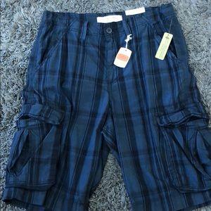 Sonoma blue plaid cargo shorts-lots of pockets-30